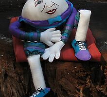 Humpty Dumpty by CaliWildViolet