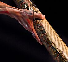Henry, didgeridoo artiste by richardseah
