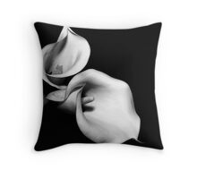 Calla #5 the song of the lure Throw Pillow