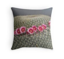 A flowery crown Throw Pillow