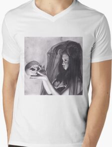 Realism Charcoal Drawing of Sexy Dark Queen in Veil with Skull Mens V-Neck T-Shirt