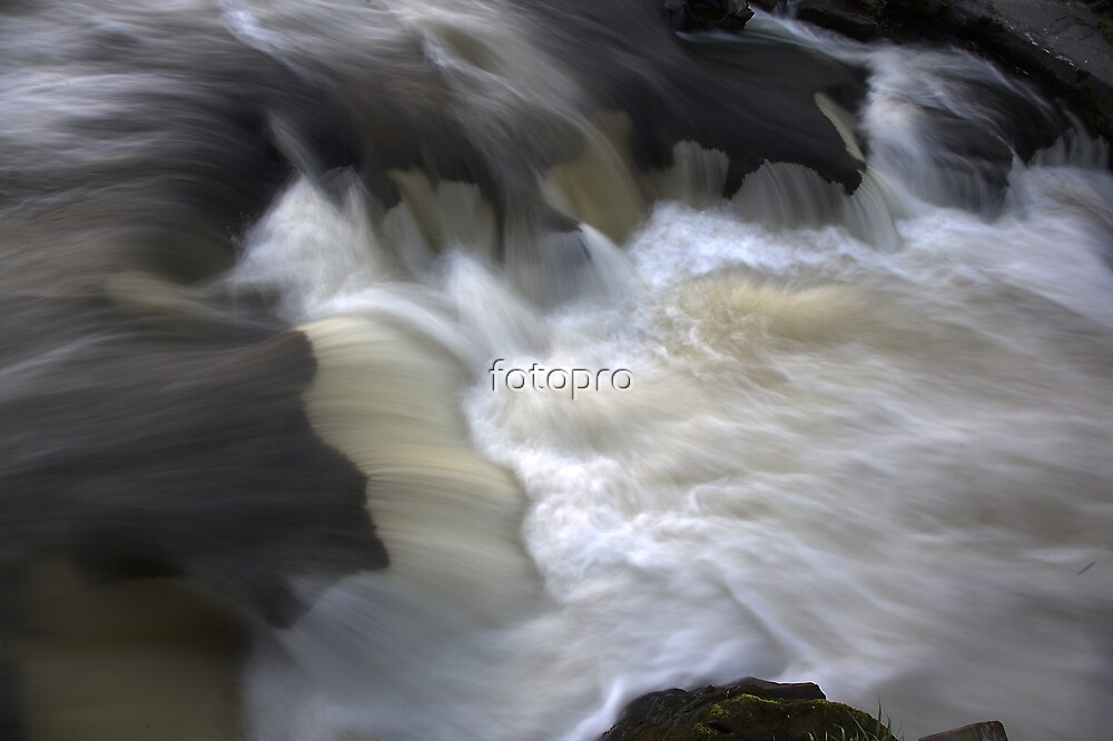 Water rush by fotopro