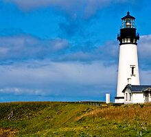 Yaquina Bay Lighthouse, Newport, Oregon by Mike Truong