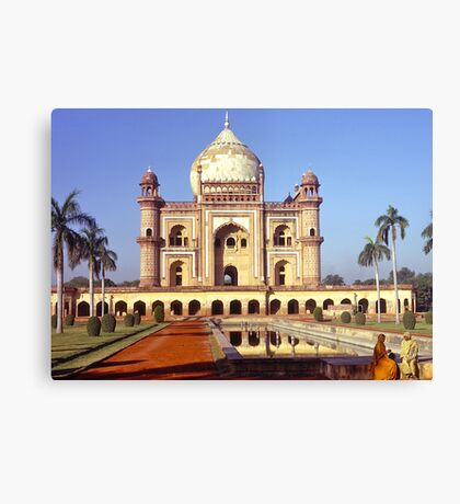 Safdarjung's Tomb, New Delhi, india. Canvas Print