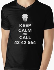 Keep calm and call 42-42-564 Call the Shinigami Mens V-Neck T-Shirt