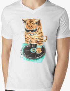 Scratch Master Kitty Cat Mens V-Neck T-Shirt