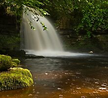Cauldron Falls by Steve  Liptrot