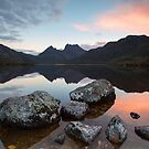 Cradle Mountain Sunset by tinnieopener