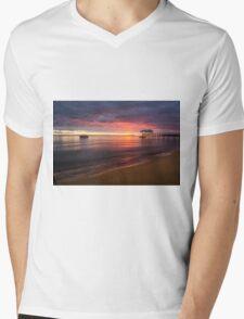 Sullivan Bay, Sorrento - sun is rising Mens V-Neck T-Shirt