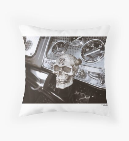 DONUT DERELICTS • 005 • 32 roadster Throw Pillow