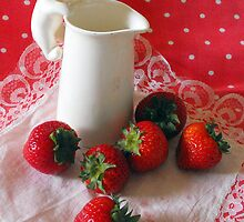 Strawberries and Cream by katpix