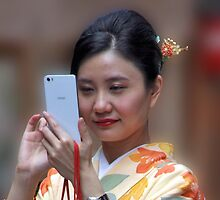 Geisha Selfie by phil decocco