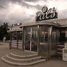 Pal's Diner, Grande Rapids, Michigan by gailrush