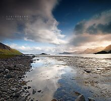 Midnight Sun at Lofoten Islands by Andreas Stridsberg