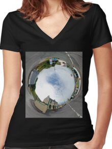 Glencolmcille - Biddy's Crossroads Pub(Sky-in) Women's Fitted V-Neck T-Shirt