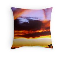 Red Centre Sunset Throw Pillow