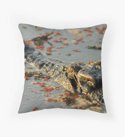 Kakadu croc Throw Pillow
