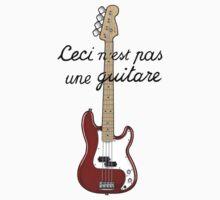 Ceci n´est pas une guitare ver.2 Baby Tee