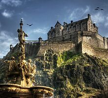 Edinburgh Castle by Linda  Morrison