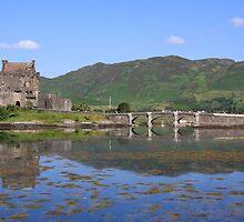 Eileen Donan castle  by joemagic