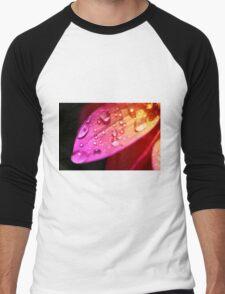 A wet petal Men's Baseball ¾ T-Shirt