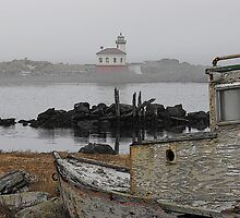 Coquille River Lighthouse by hawkwing