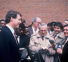 Al Gore & Reporters  by Jonathan  Green