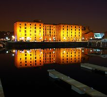 Albert Dock reflections by Manuel Gonçalves