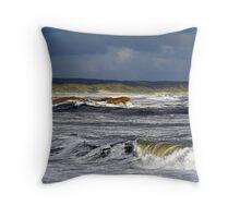 Make'n waves Throw Pillow