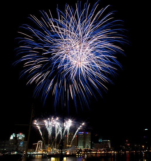 Norfolk Harborfest Fireworks by Andy Mueller
