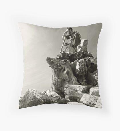 Wizzard of rocks Throw Pillow