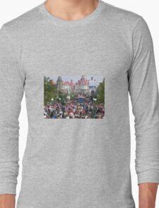 follow the crowd Long Sleeve T-Shirt