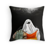 MOM!!! I think the new Neighbours are Zombies! Throw Pillow