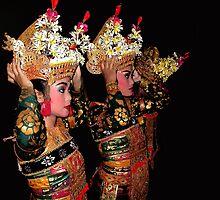 Balinese Dancers by JonathaninBali