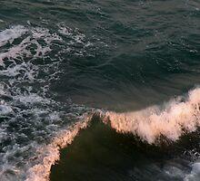 Waves by EddaM