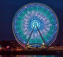 Seattle's Great Wheel by Barb White