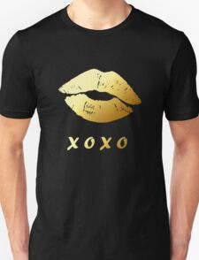 Gold Lips XOXO Hugs and kisses (Black) Unisex T-Shirt