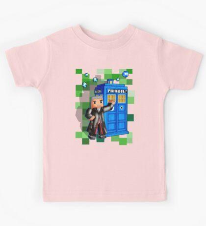 8bit 12th Doctor with blue phone box Kids Tee