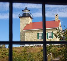 Copper Harbor Lighthouse by whooppee