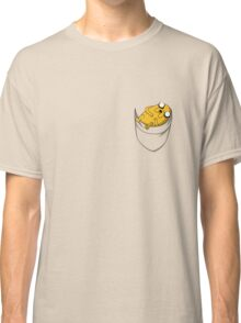 Pocket Jake the dog. Adventure time Classic T-Shirt