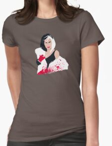 People always underestimate a girl in diamonds and furs (Cruella De Vil) Womens Fitted T-Shirt