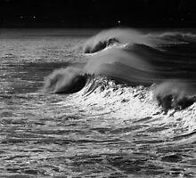 Black and White waves at Bondi by TheSpaniard