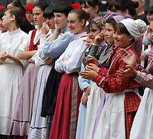 FOLK DANCERS WAITING by Amaya Solozabal