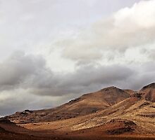 Desert Mountains by dangrieb
