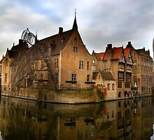 Rozenhoedkaai, Bruges by Theresa Elvin