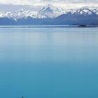 Lake Pukaki overlooked by Mount Cook by David Gallagher