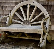 Wagon Wheel Bench by phil decocco