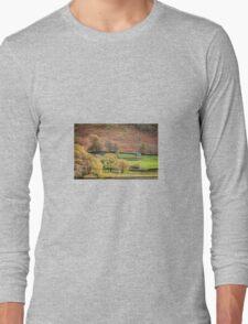 Old Barn Landscape Long Sleeve T-Shirt
