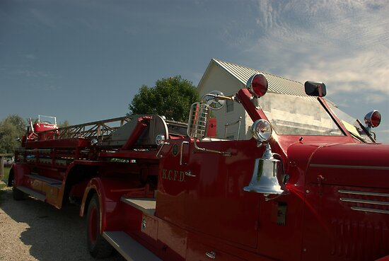 85 Foot Ladder Fire Truck by TeeMack