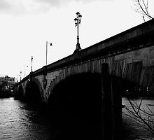 Kew Bridge by merabi